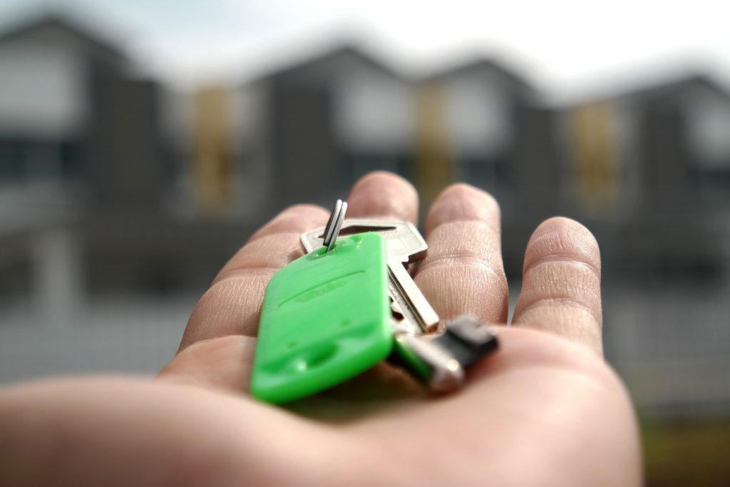 House keys in buyer's hand
