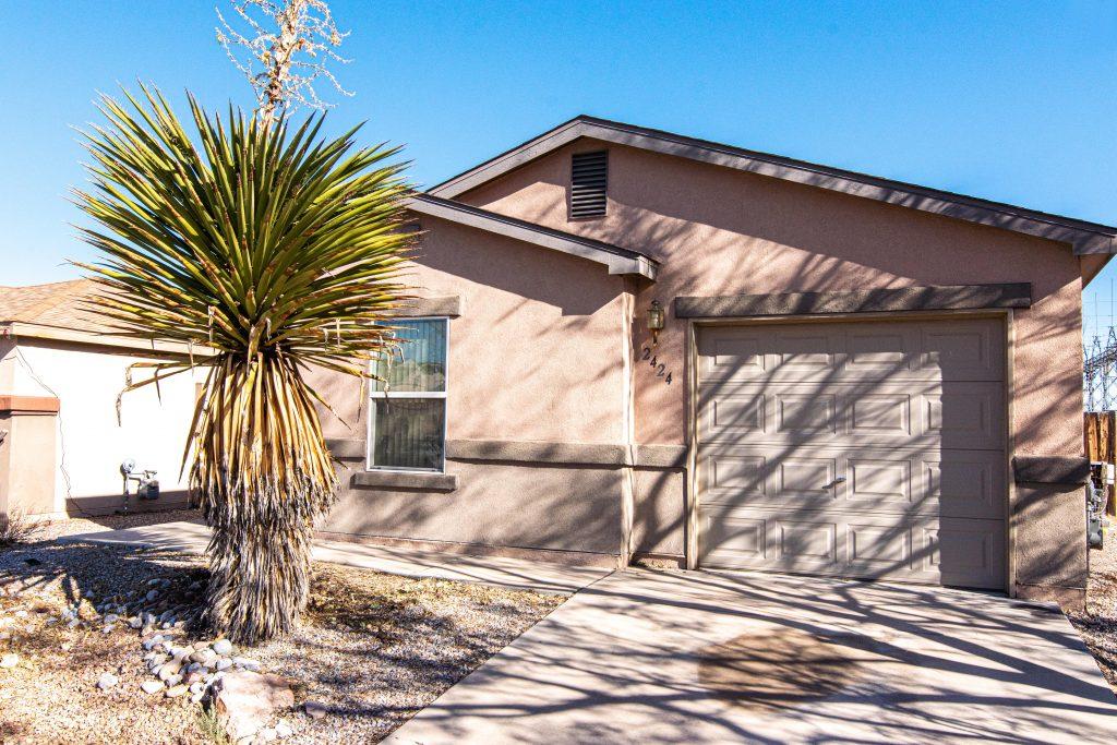 2424 Bixby Street NW, Albuquerque, NM 87120